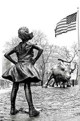 Photograph - Fearless Girl and Wall Street Bull Black and White Vertical Larg by Nishanth Gopinathan