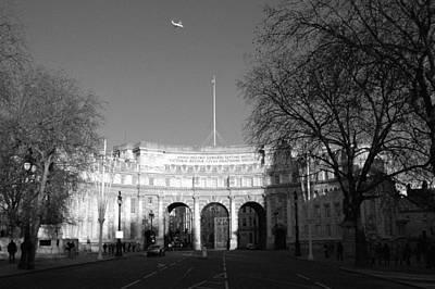 Edward Hopper - London - England XII by Marcio Faustino