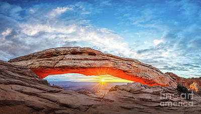 1920s Flapper Girl - Mesa Arch View by Jamie Pham