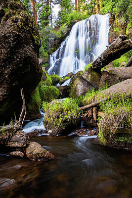 World Forgotten - Mill Creek Falls by Mike Lee