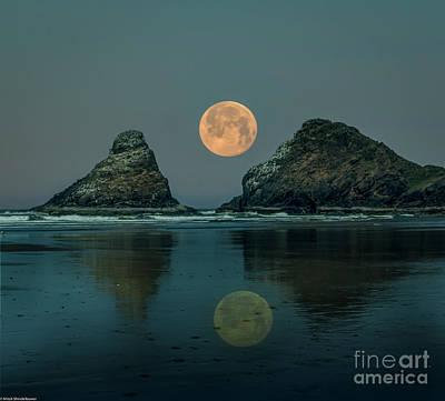 Classic Golf - Moonlight Beach by Mitch Shindelbower