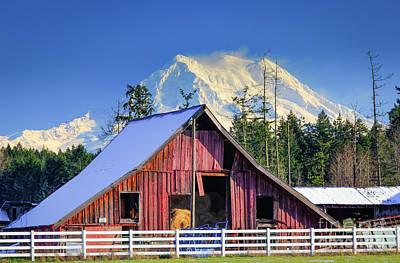 Classic Golf - Mount Rainier and Barn by Inge Johnsson