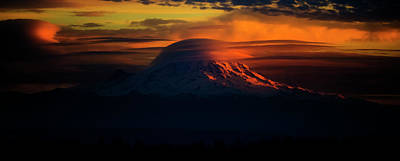 Water Droplets Sharon Johnstone - Mount Rainier Comb Over by Pelo Blanco Photo
