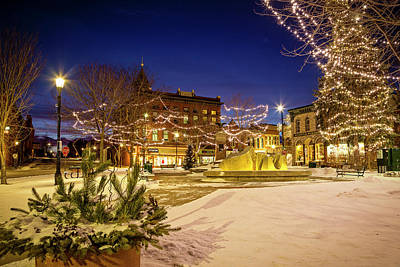 Photograph - New Year Dawning on Bridge Square by Joe Miller