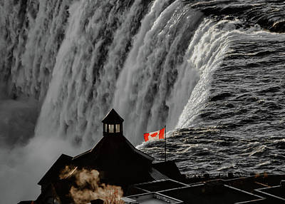 Outdoor Graphic Tees - Niagara Falls by Robert Ratcliffe