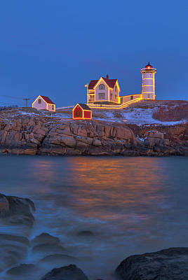 State Love Nancy Ingersoll - Nubble Lighthouse with Holidays Decoration by Juergen Roth