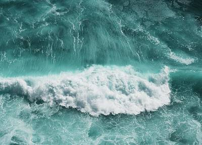 Royalty-Free and Rights-Managed Images - ocean waves crashing on shore during daytime - Uluwatu, Pecatu by Julien