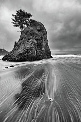 Photograph - Ocean's Gentle Slide by Mike Berenson
