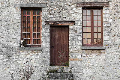 Studio Grafika Vintage Posters - Old building with cat on window sill by Fabiano Di Paolo