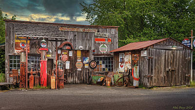 Lucille Ball Royalty Free Images - Old Gas Station 14 Royalty-Free Image by Mike Penney