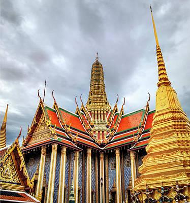 Colored Pencils - Palace in Bangkok by Maria Coulson