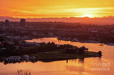 Water Droplets Sharon Johnstone - Seattle Sunrise Above Lake Union by Mike Reid
