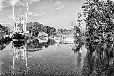 Classic Golf - Shrimp Boats in Safe Harbor - Bayboro North Carolina by Bob Decker