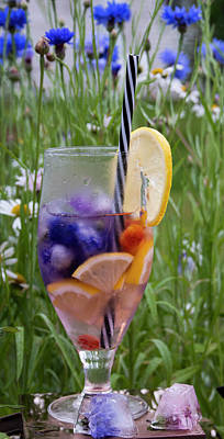 Classic Golf - Sommar Limonade On Blue Wild Meadow Cornflowers by Tamara Sushko