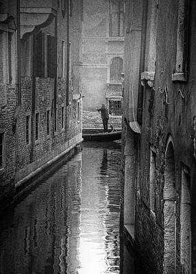 Photograph - Street photography Italy - Gondoliere Venice by Frank Andree
