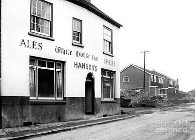 Animals Photos - The White Horse Inn Cross Walks Road Lye - Ref-95 by William R Hart