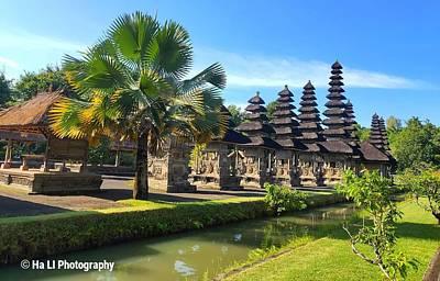 Lady Bug - UNESCO World Heritage Site Pura Taman Ayun by Ha LI