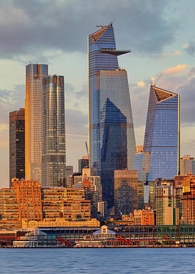 Queen - View of the Hudson Yards from New Jersey by Jerry Fornarotto