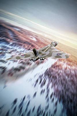 Achieving - Vulcan Cold War by Airpower Art