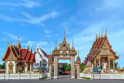 Photograph - Wat Klang DTHNP0096 by Gerry Gantt