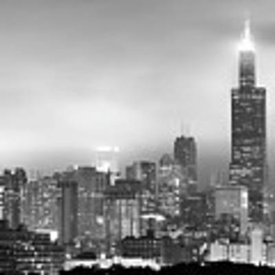 Chicago Skyline Black And White - Illinois - Usa Art Print by Gregory Ballos