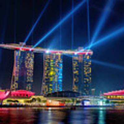 Laser Show At Mbs Singapore Art Print by Yew Kwang
