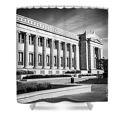 The Field Museum In Chicago In Black And White Shower Curtain by Paul Velgos