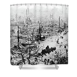 Shower Curtain featuring the photograph Tokyo Earthquake, 1923 by Granger