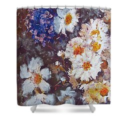 Shower Curtain featuring the painting Another Cluster Of Daisies by Richard James Digance
