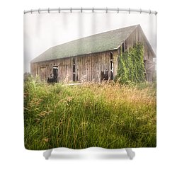 Shower Curtain featuring the photograph Barn In A Misty Field by Gary Heller