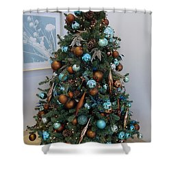 Shower Curtain featuring the photograph Blue And Gold Xmas Tree by Richard Reeve