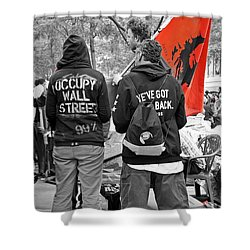 Shower Curtain featuring the photograph Che At Occupy Wall Street by Lilliana Mendez