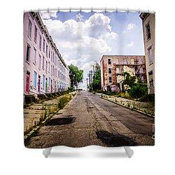 Cincinnati Glencoe-auburn Place Image Shower Curtain by Paul Velgos