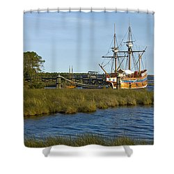 Shower Curtain featuring the photograph Elizabeth II In Port  by Greg Reed