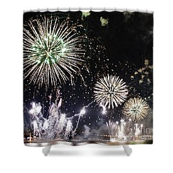 Shower Curtain featuring the photograph Fireworks Over The Hudson River by Lilliana Mendez