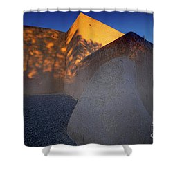 Form And Shadow--san Francisco De Asis - Color Shower Curtain