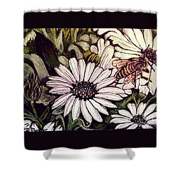 Shower Curtain featuring the painting Honeybee Cruzing The Daisies by Kimberlee Baxter