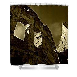 Shower Curtain featuring the photograph Il Colosseo by Micki Findlay