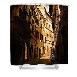 Shower Curtain featuring the photograph Il Turista by Micki Findlay
