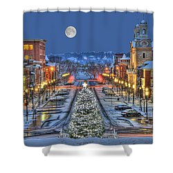 It's Christmas Time In The City Shower Curtain