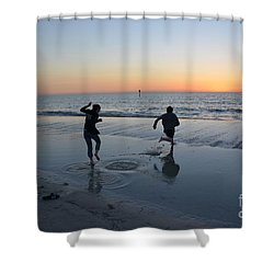 Shower Curtain featuring the photograph Kids At The Beach by Robert Meanor