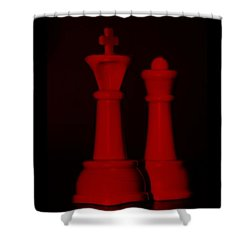King And Queen In Red Shower Curtain by Rob Hans