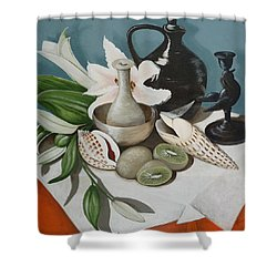 Shower Curtain featuring the painting Kiwifruit by Helen Syron