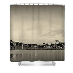 Shower Curtain featuring the photograph Lakeland by Laurie Perry