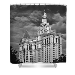 New York Municipal Building - Black And White Shower Curtain