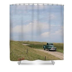 Shower Curtain featuring the photograph Old Truck by Ann E Robson