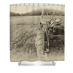 Peach Glen Pennsylvania Shower Curtain