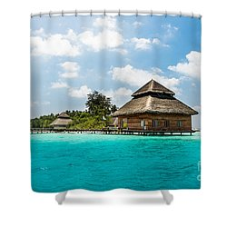 Rannaalhi Shower Curtain