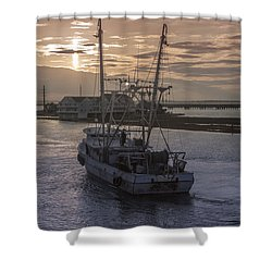 Red Sky At Night Shower Curtain by Photographic Arts And Design Studio
