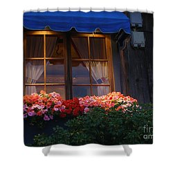 Shower Curtain featuring the photograph Ristorante by Bev Conover
